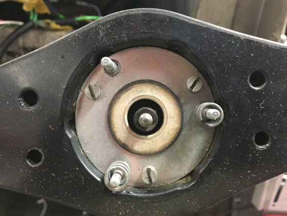 Horn Assembly Springs on Studs