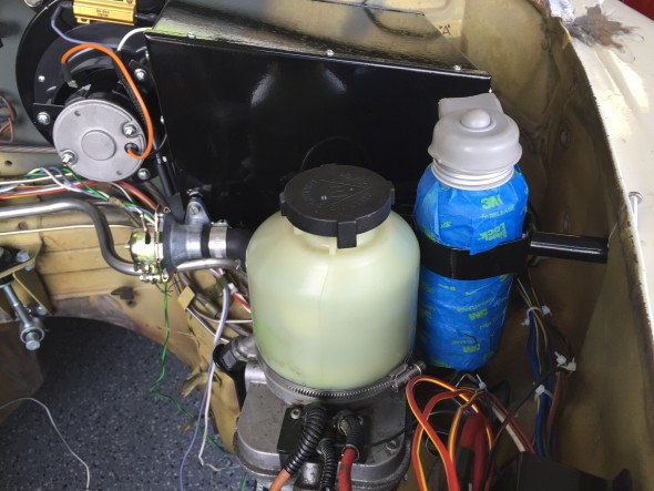 Hydraulic Fluid Container Location