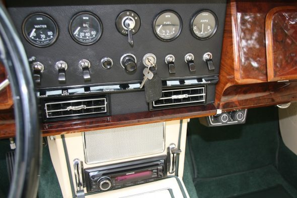 Air Conditioning Controls Below the Dash